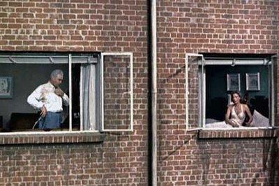 Meno 333 la finestra di fronte elinepal - Le finestre di fronte ...