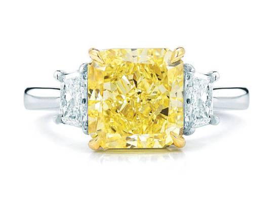 anello-con-diamante-giallo-kwiat_1